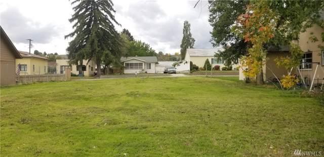 113 Birch St S, Omak, WA 98841 (#1529692) :: Center Point Realty LLC