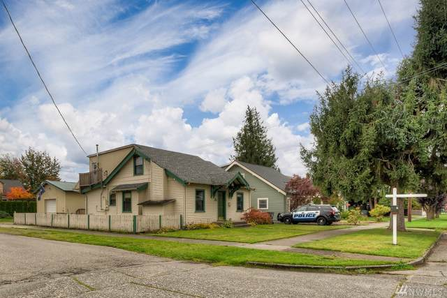 1079 Pioneer St, Enumclaw, WA 98022 (#1529830) :: KW North Seattle