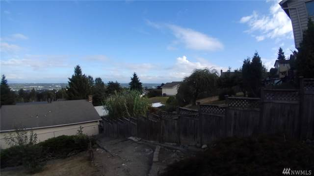 4933 S 181st Place   Seatac, SeaTac, WA 98188 (#1530156) :: Real Estate Solutions Group