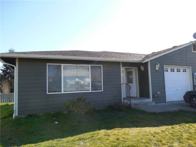 9711 16th Av Ct S, Tacoma, WA 98444 (#1530404) :: Record Real Estate