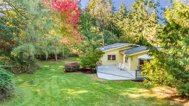 13411 SW 261st Place, Vashon, WA 98070 (#1530427) :: Mosaic Home Group