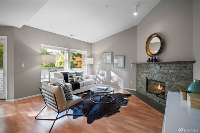 342 102nd Ave SE #218, Bellevue, WA 98004 (#1530579) :: Real Estate Solutions Group