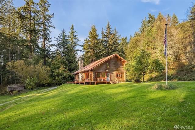 237 S West Camano Drive, Camano Island, WA 98282 (#1530660) :: Ben Kinney Real Estate Team