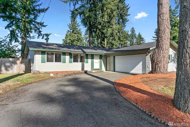 3025 SE 17th St, Auburn, WA 98092 (#1530911) :: Record Real Estate