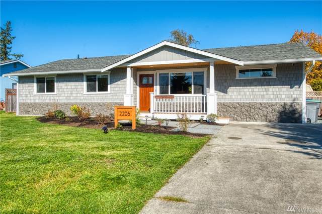 2206 32nd St, Anacortes, WA 98221 (#1532448) :: The Royston Team