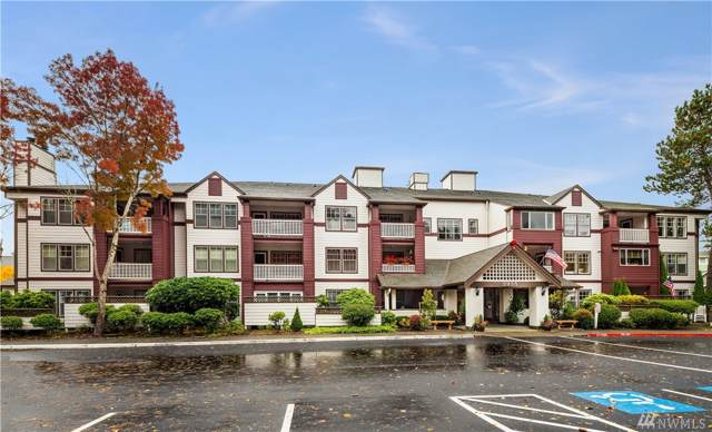 3935 226th Place SE #208, Issaquah, WA 98029 (#1532462) :: Alchemy Real Estate