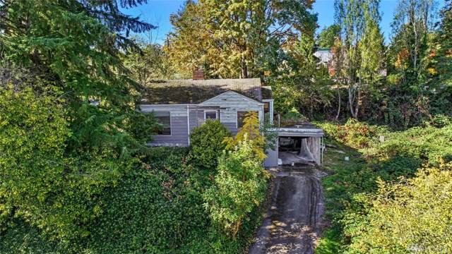 2444 SW Holden St, Seattle, WA 98106 (#1532547) :: Ben Kinney Real Estate Team