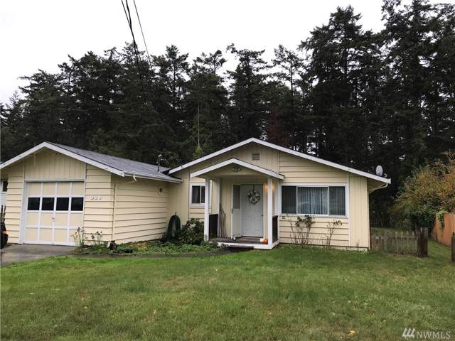 938 Burroughs Ave, Oak Harbor, WA 98277 (#1533304) :: Northwest Home Team Realty, LLC
