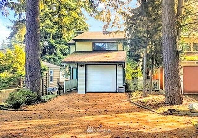 14028 Lenora Place N, Seattle, WA 98133 (MLS #1534624) :: Community Real Estate Group