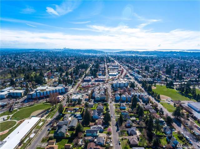 9205 14th Ave NW, Seattle, WA 98117 (#1534771) :: Costello Team