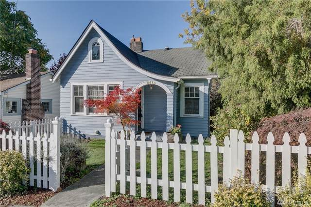 8415 Fremont Ave N, Seattle, WA 98103 (#1534941) :: Mike & Sandi Nelson Real Estate