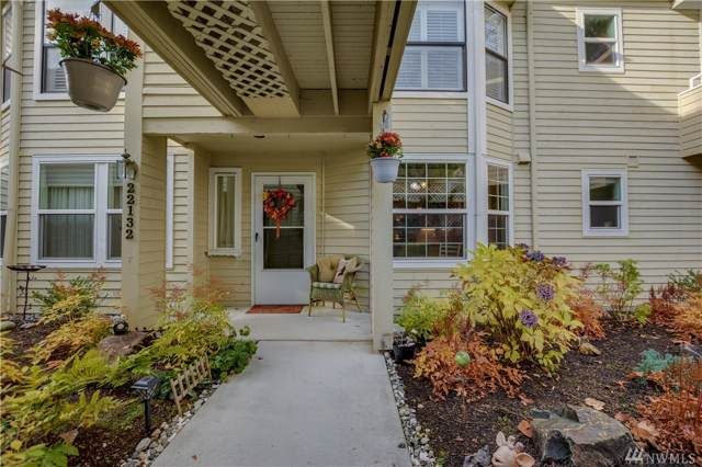22132 SE 40th Lane #1118, Issaquah, WA 98029 (#1536558) :: Record Real Estate