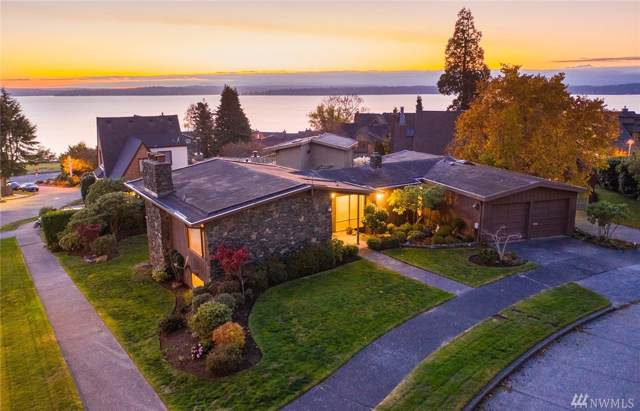 2555 43rd Ave W, Seattle, WA 98199 (#1536758) :: The Kendra Todd Group at Keller Williams