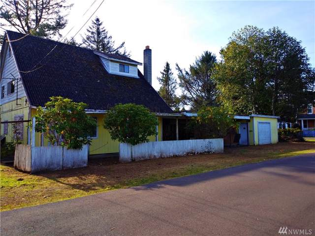 1206 50th Place, Seaview, WA 98644 (#1537211) :: Crutcher Dennis - My Puget Sound Homes