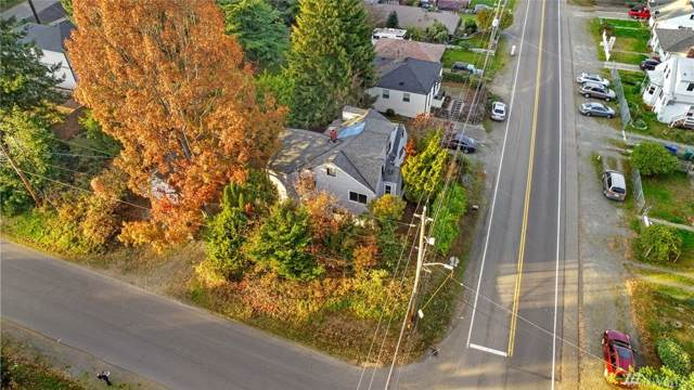 10457 8th Ave SW, Seattle, WA 98146 (#1537423) :: Record Real Estate