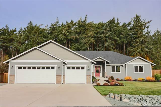 980 Walker Heights Place, Oak Harbor, WA 98277 (#1537916) :: Hauer Home Team