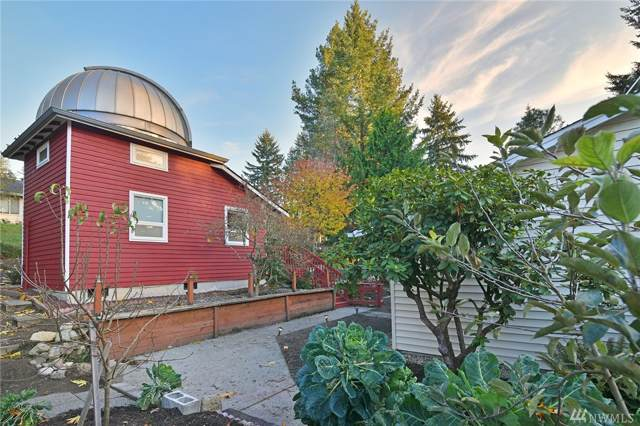 12034 Carole Place NE, Bainbridge Island, WA 98110 (#1538259) :: Keller Williams Realty