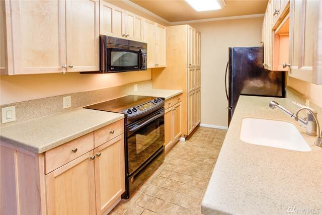 832 100th Ave NE #104, Bellevue, WA 98004 (#1538700) :: Better Homes and Gardens Real Estate McKenzie Group