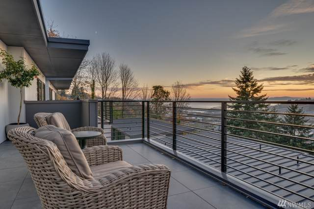 2206-A 12th Ave W, Seattle, WA 98119 (#1538791) :: Real Estate Solutions Group