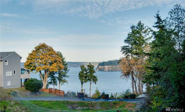 2220 55th St NW, Gig Harbor, WA 98335 (#1539065) :: Canterwood Real Estate Team