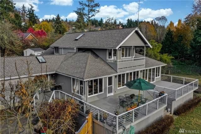 8344 NE Oddfellows Rd, Bainbridge Island, WA 98110 (#1539350) :: KW North Seattle
