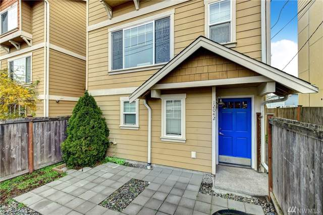 12042 33rd Ave NE, Seattle, WA 98125 (#1540741) :: TRI STAR Team | RE/MAX NW