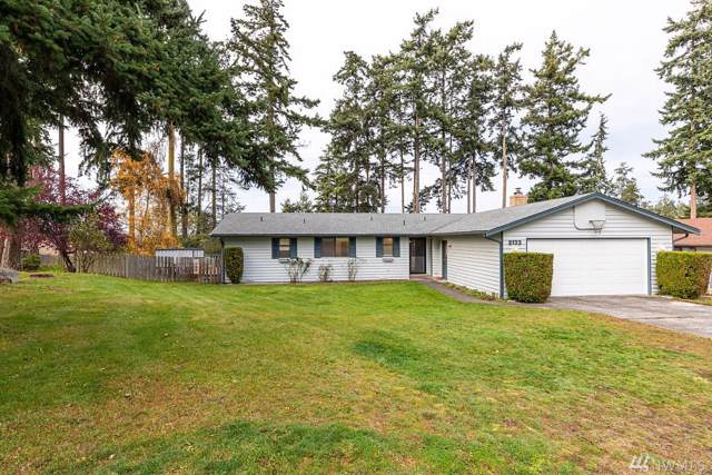 2133 Colonial Wy, Oak Harbor, WA 98277 (#1540755) :: Real Estate Solutions Group