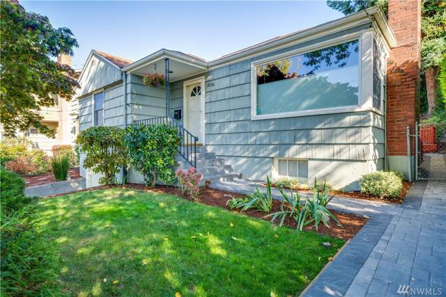 2836 13th Ave W, Seattle, WA 98119 (#1540967) :: Better Homes and Gardens Real Estate McKenzie Group