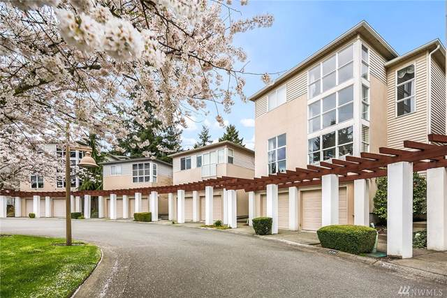 2731 124th Ave SE, Bellevue, WA 98005 (#1541608) :: NW Homeseekers
