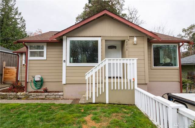 2213 Soundview Ave NE, Bremerton, WA 98310 (#1541835) :: Better Homes and Gardens Real Estate McKenzie Group