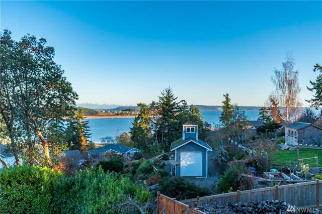 960 Poppys Place, Oak Harbor, WA 98277 (#1542774) :: Real Estate Solutions Group