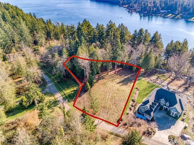 3921 Southern Cross Rd NE, Bainbridge Island, WA 98110 (#1543759) :: The Original Penny Team