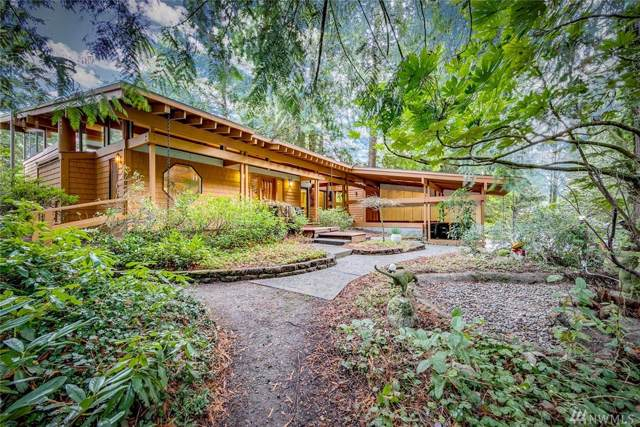 11050 Hart Lane NE, Bainbridge Island, WA 98110 (#1544338) :: Lucas Pinto Real Estate Group