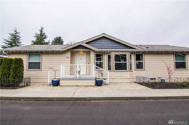 1427 100th St SW #100, Everett, WA 98204 (#1545205) :: The Kendra Todd Group at Keller Williams
