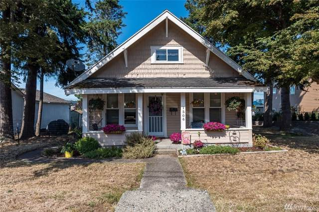 1506 7th St, Anacortes, WA 98221 (#1545349) :: Real Estate Solutions Group