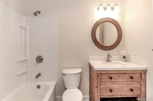 710 N 160th St B205, Shoreline, WA 98133 (#1545699) :: Record Real Estate