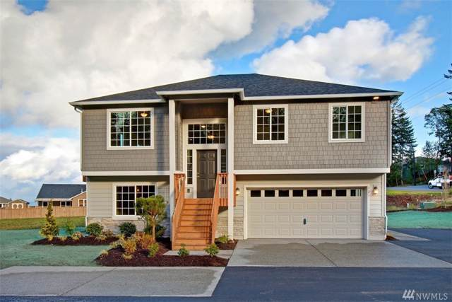 123 Crest Place, Camano Island, WA 98282 (#1545985) :: KW North Seattle