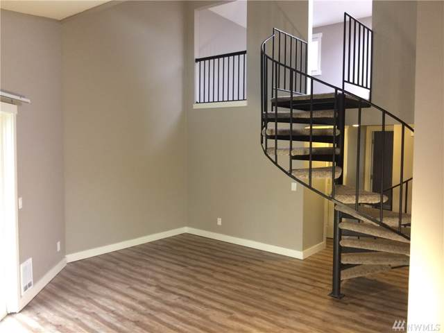15819 NE Leary Wy D 302, Redmond, WA 98052 (#1546796) :: Chris Cross Real Estate Group