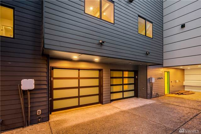 1818 S State St, Seattle, WA 98144 (#1546889) :: Mary Van Real Estate