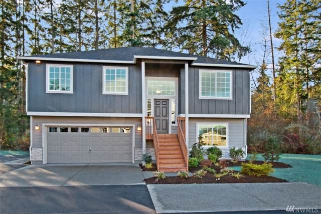 131 Crest Place, Camano Island, WA 98282 (#1547775) :: KW North Seattle