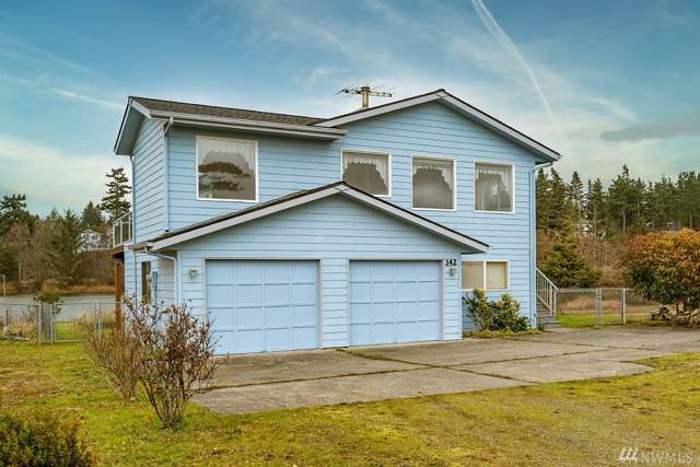 142 Keystone Ave, Coupeville, WA 98239 (#1548100) :: Hauer Home Team