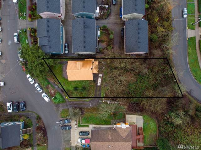 1772 19th Ave S, Seattle, WA 98144 (#1548341) :: Keller Williams Realty
