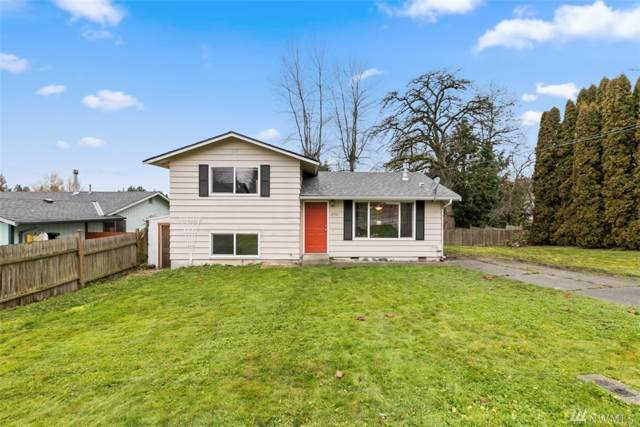 27512 76th Dr NW, Stanwood, WA 98292 (#1550789) :: The Shiflett Group