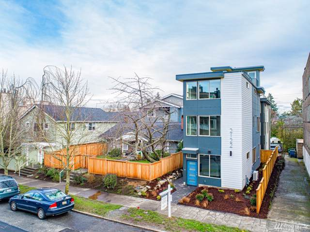 2120 California Ave SW, Seattle, WA 98116 (#1551129) :: The Kendra Todd Group at Keller Williams