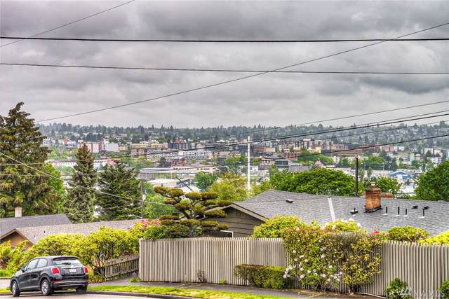 4241 28th Ave W, Seattle, WA 98199 (#1551260) :: Crutcher Dennis - My Puget Sound Homes