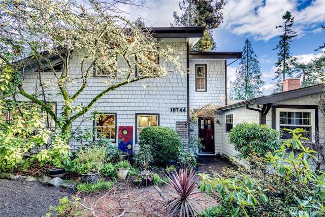 10744 Manitou Beach Dr NE, Bainbridge Island, WA 98110 (#1551395) :: Better Homes and Gardens Real Estate McKenzie Group