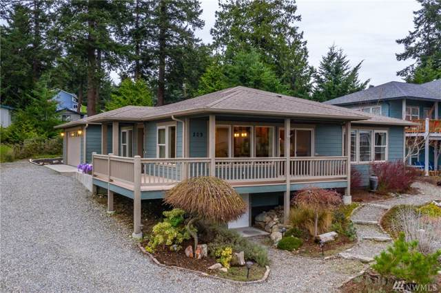 209 NE Albion, Coupeville, WA 98239 (#1551757) :: Mosaic Home Group