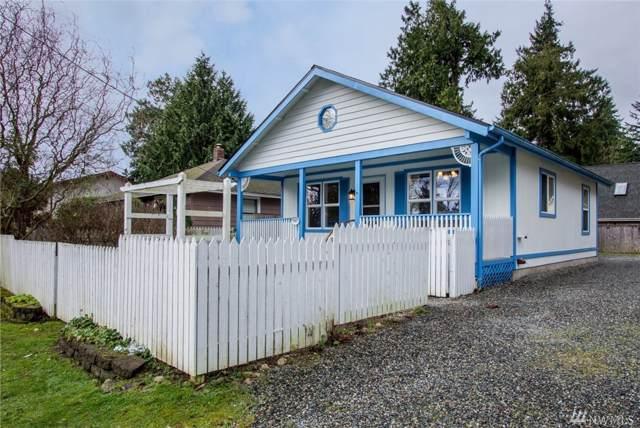 18837 Harris Ave NE, Suquamish, WA 98392 (#1551966) :: Real Estate Solutions Group