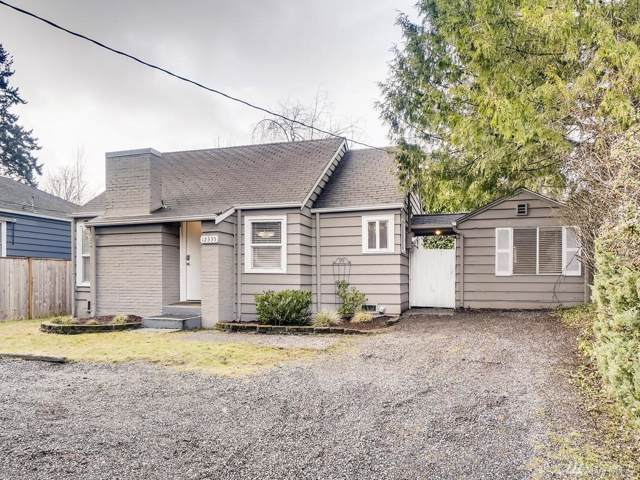 12335 Sand Point Wy NE, Seattle, WA 98125 (#1552088) :: Real Estate Solutions Group