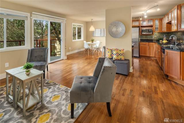 11054 NE 33rd Place B12, Bellevue, WA 98004 (#1552717) :: Ben Kinney Real Estate Team
